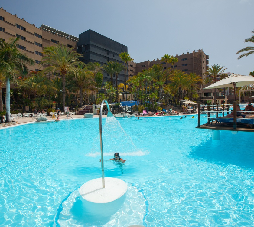 Swimming pool abora continental by lopesan hotels gran canaria