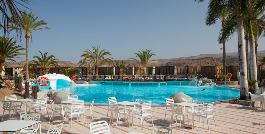 Pool bar abora continental by lopesan hotels gran canaria